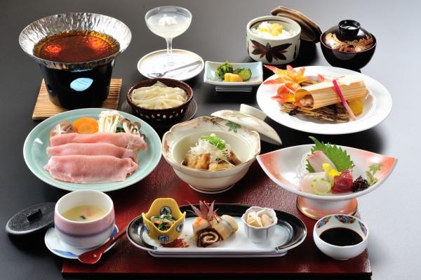 和食会席¥4,000②